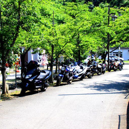 道の駅清川では、お店が無かったので… 宮ヶ瀬湖へ!